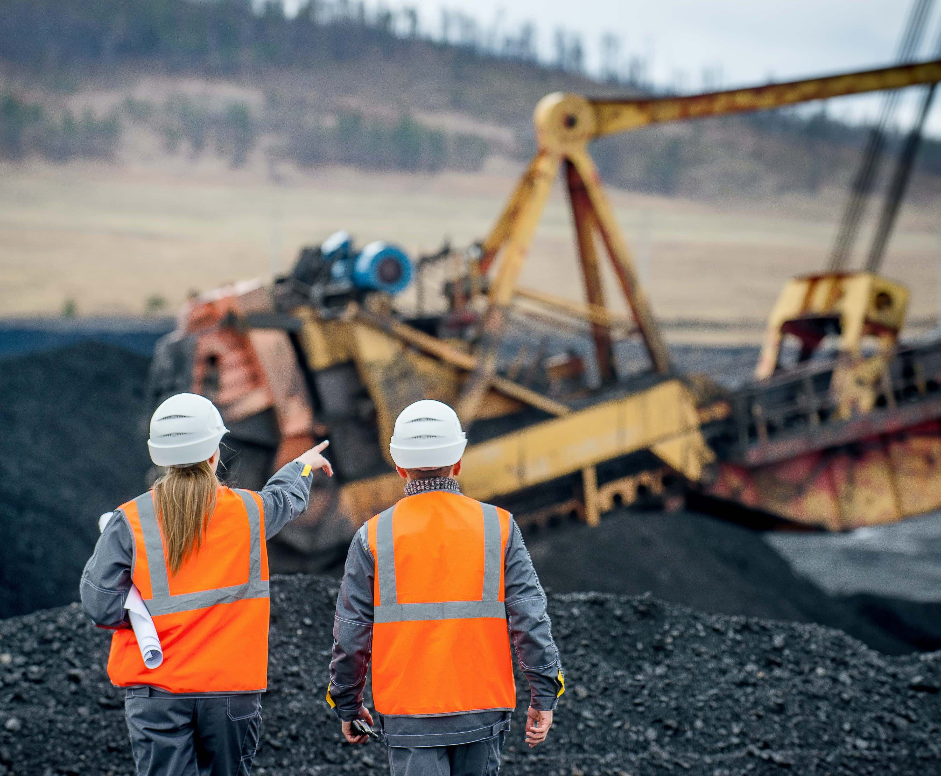 Mining%20Safety%20Awareness_AdobeStock_155394554-pichi.jpg